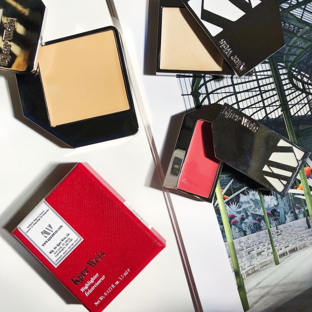 Kjaer Weis Beauty Idealist